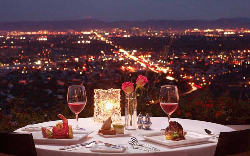 سالگرد ازدواج در رستوران