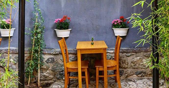 فضای باز کافه رستوران طجرشت