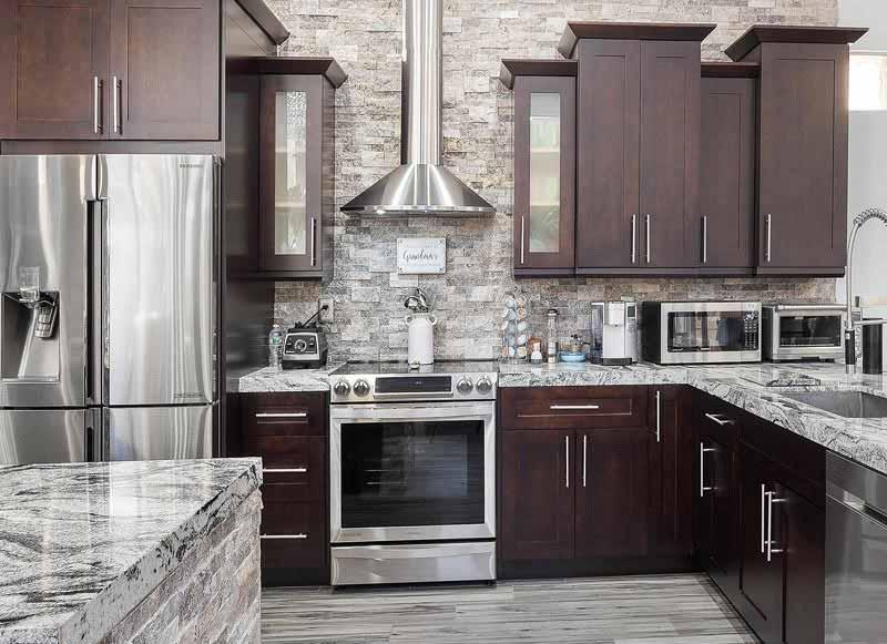 کابینت آشپزخانه تیره رنگ