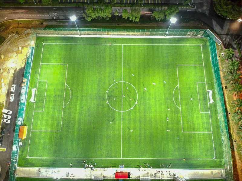 نورپردازی سالن فوتبال