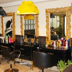 آرايشگاه آرایشگاه زنانه فرحناز