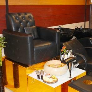 آرایشگاه زنانه آرایشگاه زنانه فرحناز